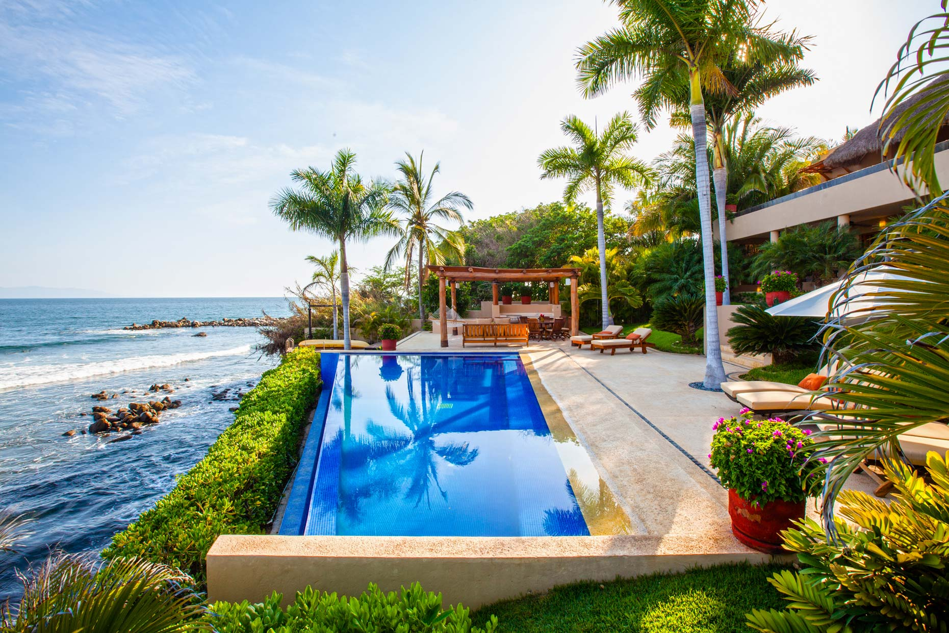 How to Buy Real Estate in Vallarta - Lifestyles Magazine - LPR Luxury  International